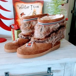 Minnetonka Moccasin Ankle Boots Size 9